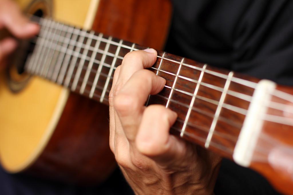 Скачать просто музыку гитарную